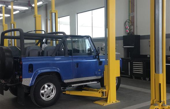 Land-Rover-workshops-choose-DEA-1